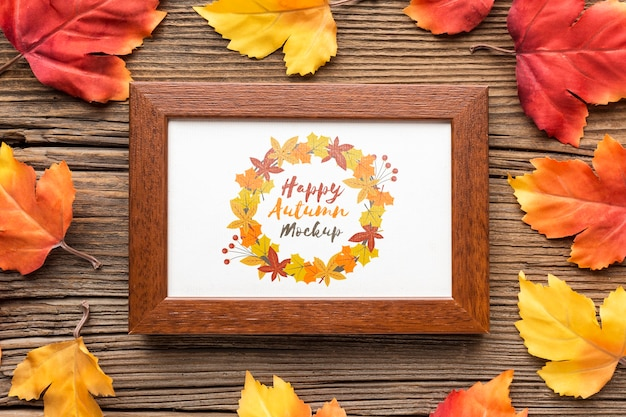 Frame of autumnal leaves Free Psd