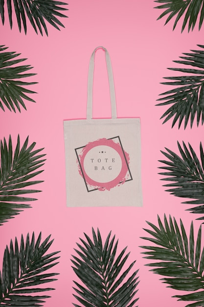 Frame of leaves with tote bag in center Free Psd