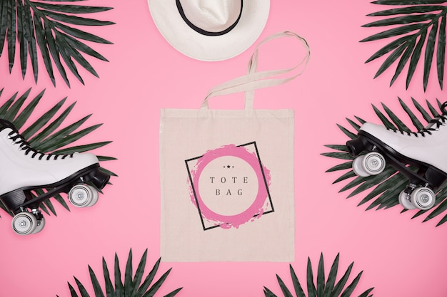 Frame of leaves with tote bag Free Psd