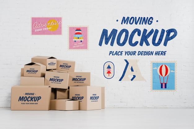 Vista frontale di molti mock-up di scatole mobili Psd Gratuite