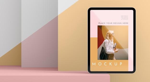 正面図現代のタブレットのモックアップ 無料 Psd