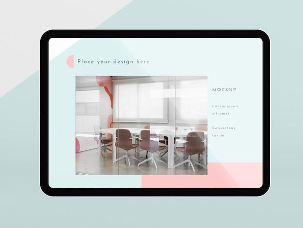 画面のモックアップを備えた正面図のモダンなタブレット 無料 Psd