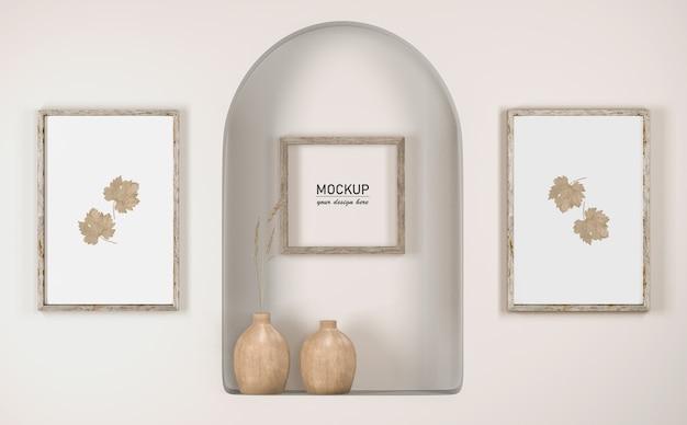 Вид спереди на стену с рамочным декором и вазами Бесплатные Psd