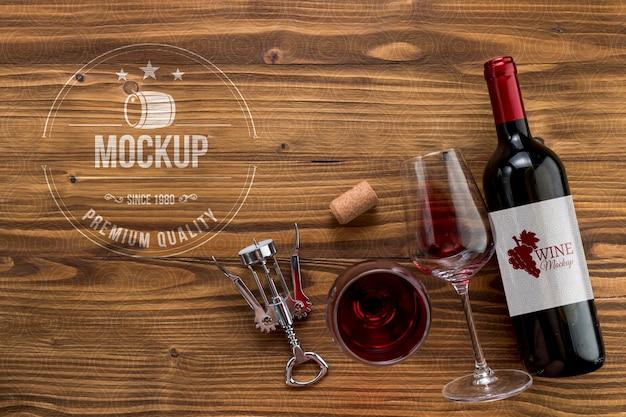 Бутылка вина и бокалы, вид спереди с копией пространства Бесплатные Psd