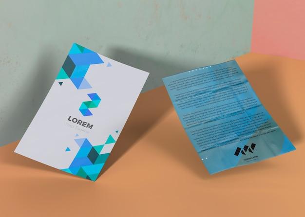 기하학적 인 블루 브랜드 회사 비즈니스 모형 종이 무료 PSD 파일