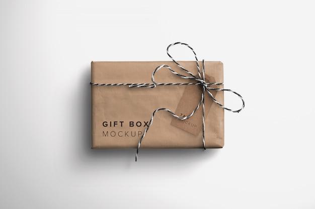 선물 상자 및 태그 모형 프리미엄 PSD 파일