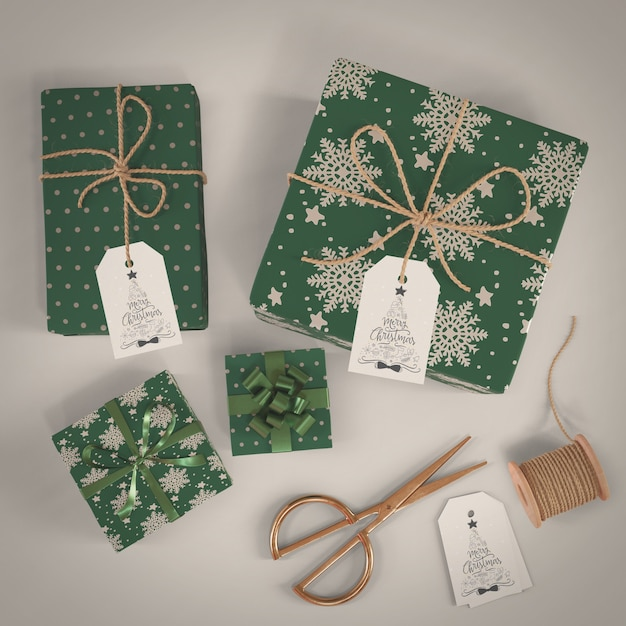 Gifts wrapped in green decorative paper Free Psd
