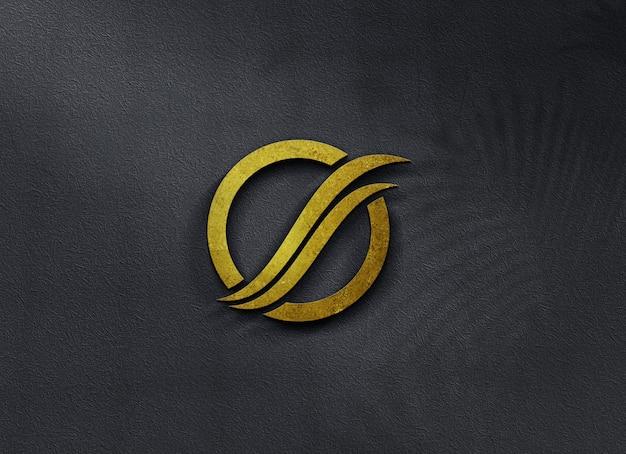 유리 벽에 아름다운 로고 모형에 황금 가까이 프리미엄 PSD 파일
