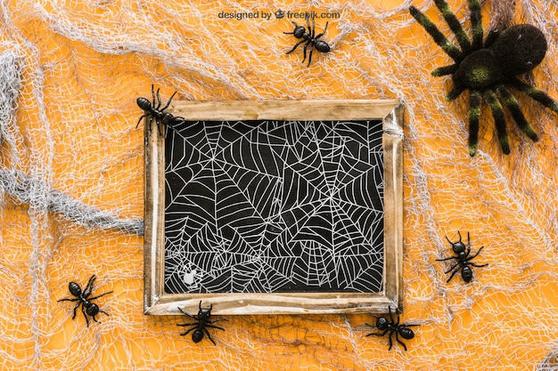 Halloween slate mockup with ants and spider Free Psd