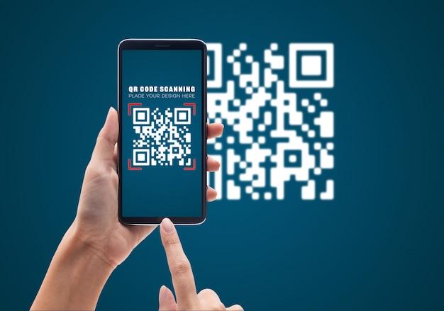 Hand using mobile smart phone scan qr code Premium Psd