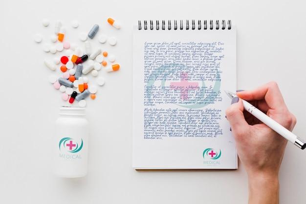 Scrittura a mano nel modello di blocco note Psd Gratuite