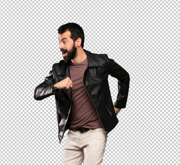 Handsome man with beard walking Premium Psd