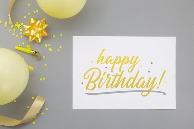 생일 축하 배경, 전단지 초대 카드 모형 템플릿으로 평평한 평신도 파티 장식. 프리미엄 PSD 파일