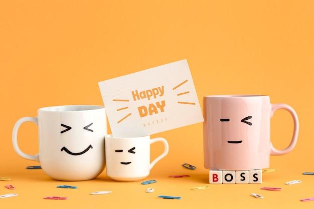 Счастливый день босса с кружками Бесплатные Psd