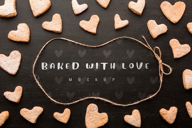 Biscotti a forma di cuore sopra la vista Psd Gratuite