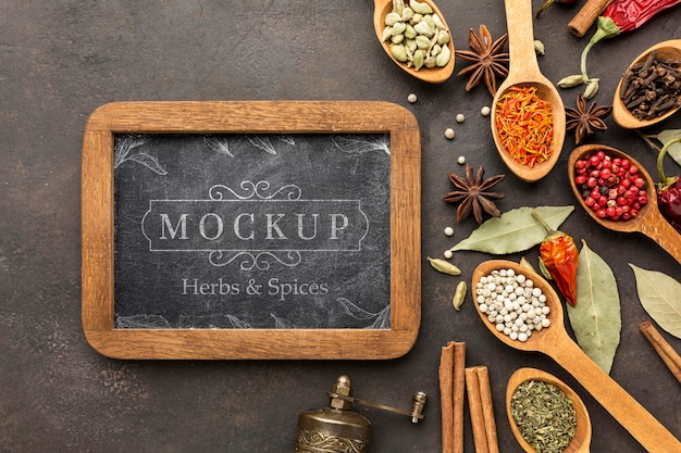 Herbs and spices mock-up with blackboard Free Psd