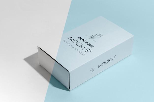 높은 각도의 입욕제 및 상자 모형 무료 PSD 파일