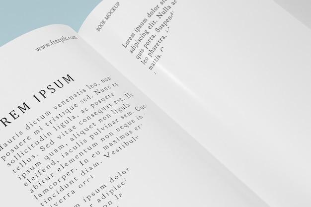 높은 각도의 목업 책 무료 PSD 파일