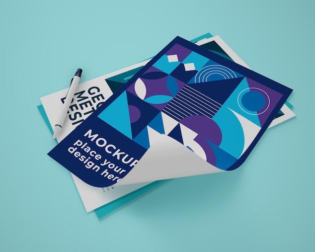 Высокий угол макета бумаги с геометрическим дизайном Бесплатные Psd