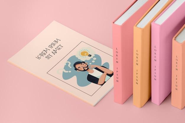 Mucchio di alto angolo di diversi libri mock-up Psd Gratuite