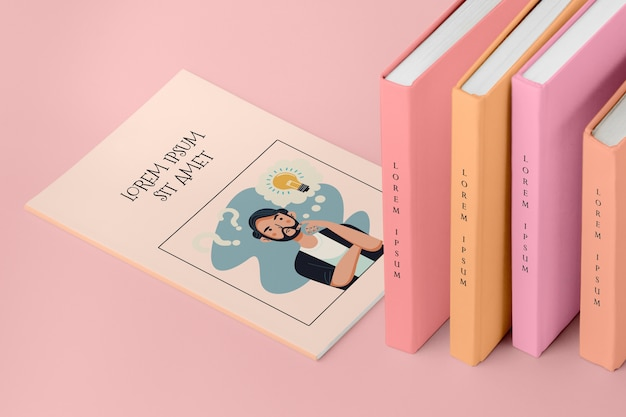 Высокий угол куча разных книг макет Бесплатные Psd