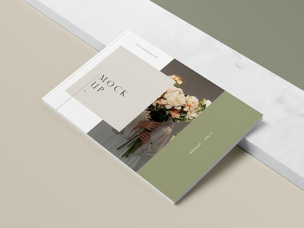 꽃과 그림자 편집 잡지 모형을 가진 높은 책 무료 PSD 파일