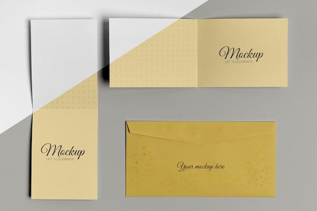 水平および垂直のモックアップ招待状と封筒 無料 Psd