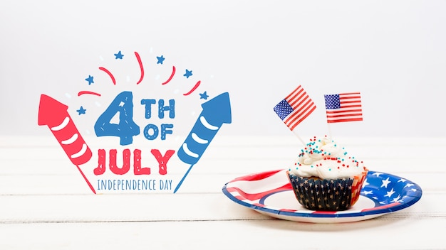 Independence day mockup with cupcake Free Psd