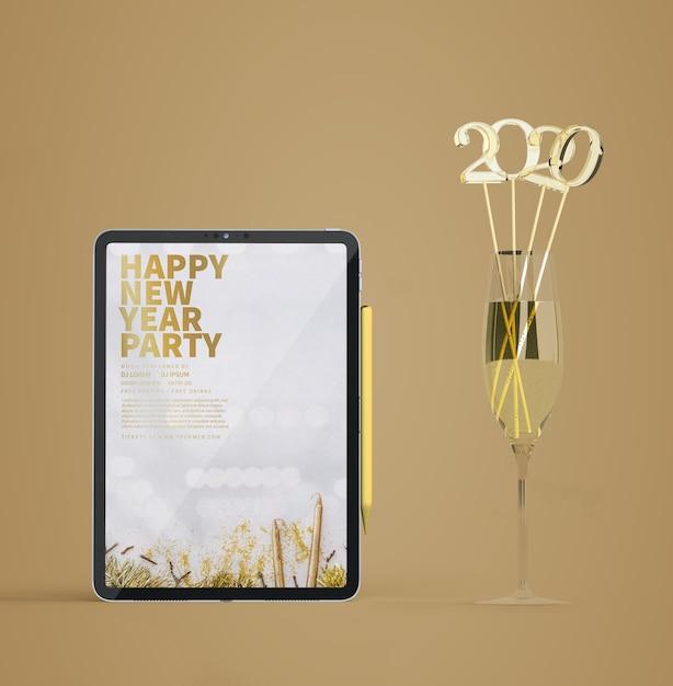 Ipad mock-up con il concetto di nuovo anno Psd Gratuite