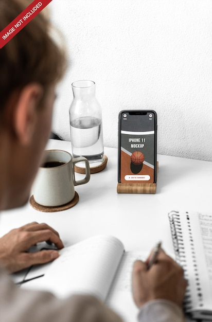 Iphone 11 psd mockup Premium Psd