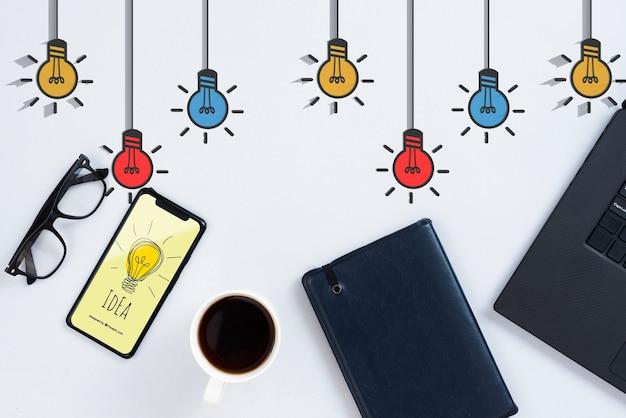 아이폰과 노트북 아이디어 개념 무료 PSD 파일