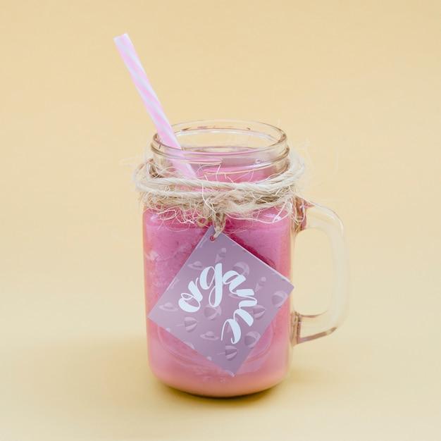 Jar mockup с розовым йогуртом Бесплатные Psd