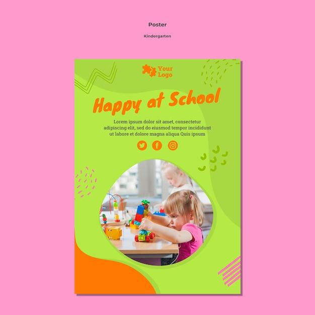 Шаблон плаката детского сада с фото Бесплатные Psd