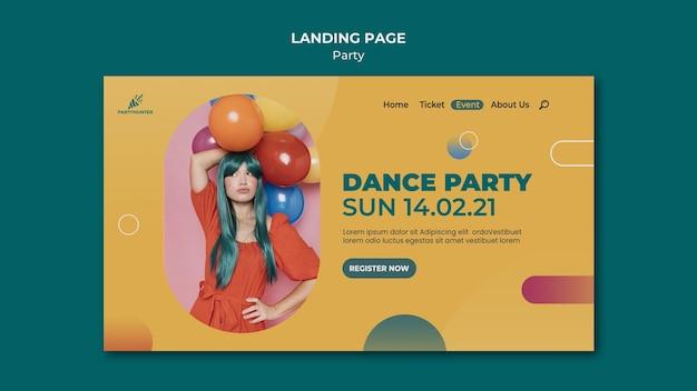 여자와 풍선 파티 축하를위한 방문 페이지 템플릿 프리미엄 PSD 파일