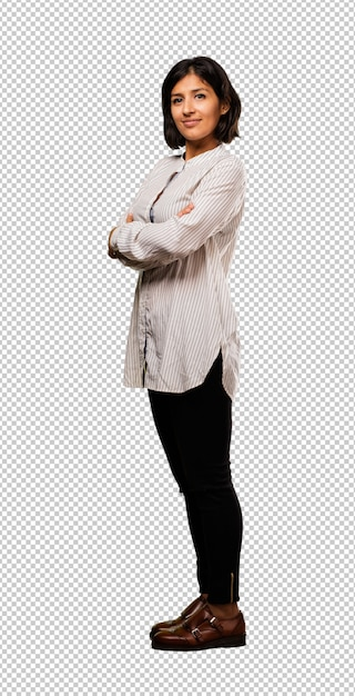 Latin business woman crossing her arms Premium Psd