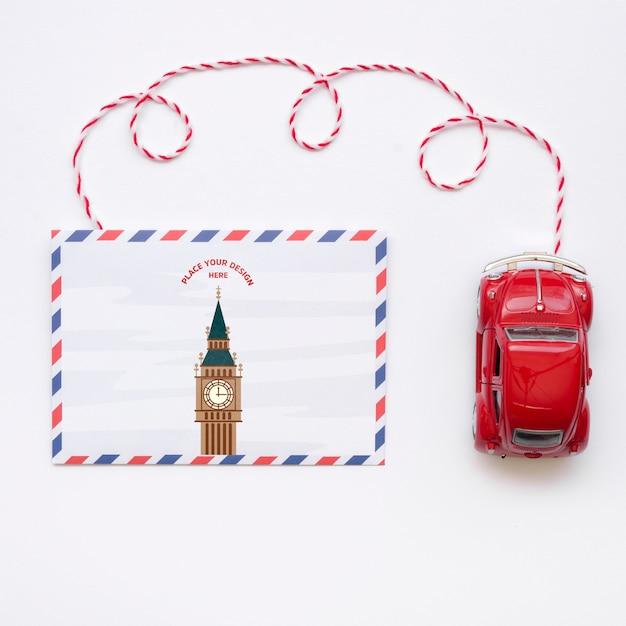 Andiamo a viaggiare con mock-up e giocattoli per auto Psd Gratuite