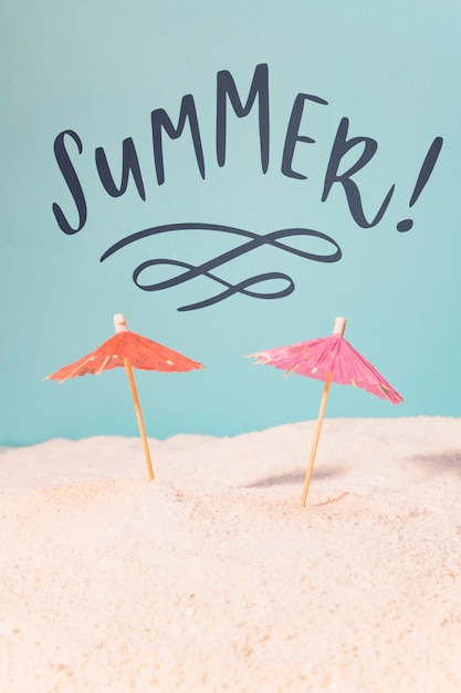 Lettering summer card with beach elements Premium Psd