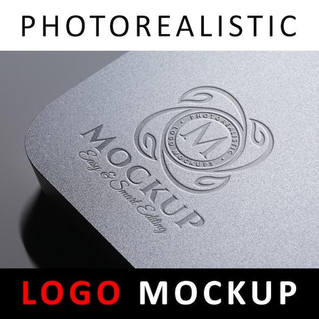 Logo mockup - debossed logo on plastic card Premium Psd