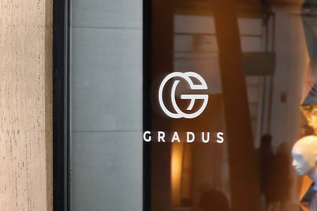 Logo mockup window sign luxury магазин Бесплатные Psd