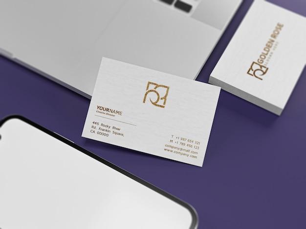 白い紙のモックアップに豪華な質感の名刺 Premium Psd