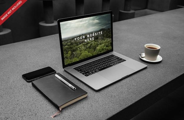 Macbook pro psdモックアップ Premium Psd