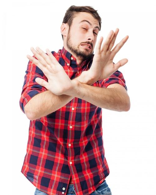 体の前で手を持つ男 無料 Psd