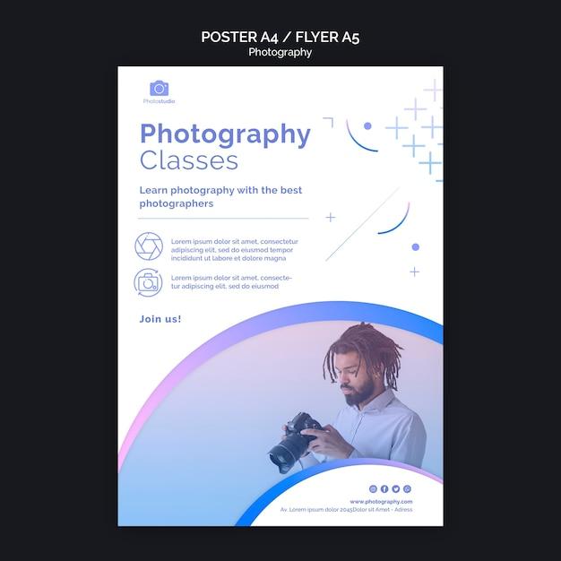 Uomo con modello di stampa flyer fotocamera moderna Psd Gratuite
