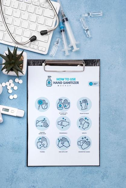 Медицинский стол с буфером обмена и таблетки Бесплатные Psd