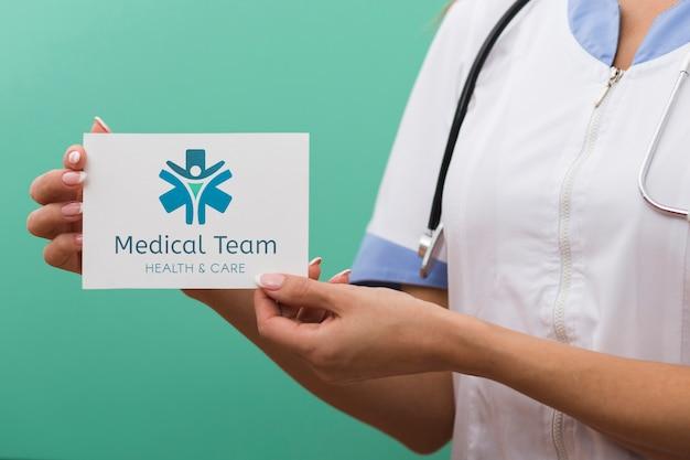 Tessera mock-up del team medico Psd Gratuite