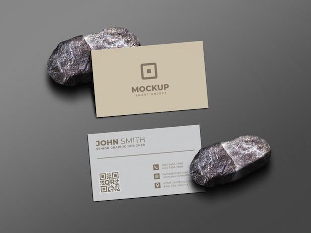 돌에 최소한의 깨끗한 명함 목업 프리미엄 PSD 파일