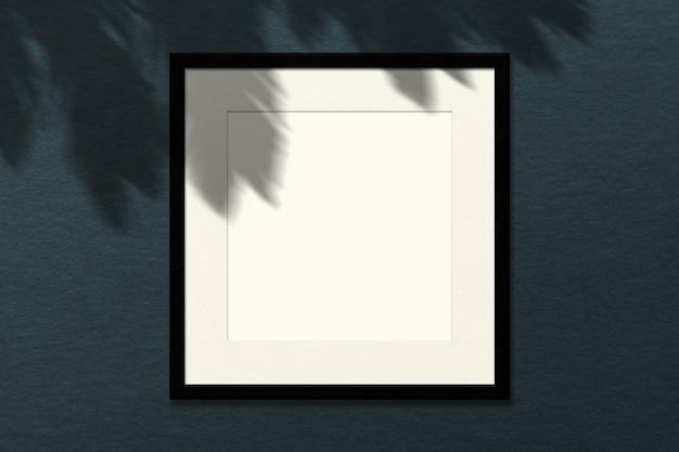 最小限の空の正方形の白いフレーム画像のモックアップ Premium Psd