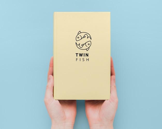 Минималистский макет обложки книги Бесплатные Psd