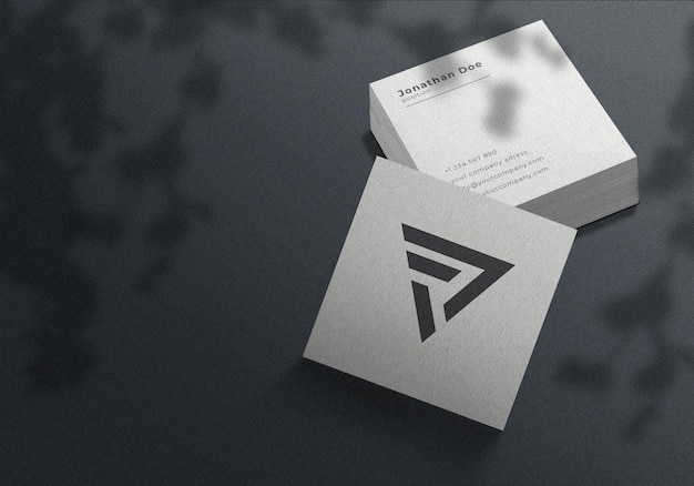 미니멀리스트 정사각형 명함 모형 프리미엄 PSD 파일
