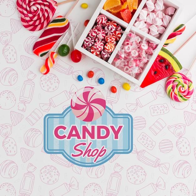 Макетные конфеты на столе Бесплатные Psd
